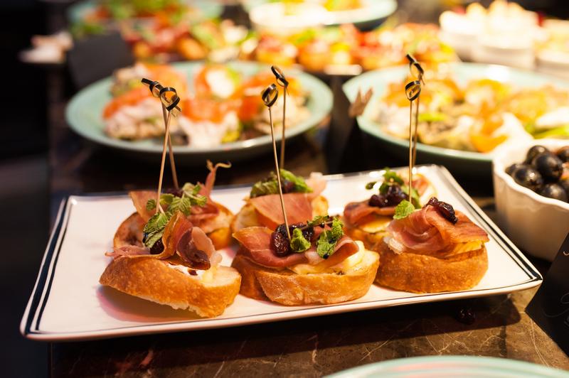 Một món tapas được bếp trưởng chế biến từ thịt lợn Iberico